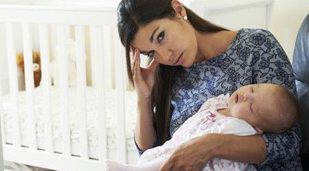 Traitement homéopathique contre le baby blues et autres remèdes naturels.