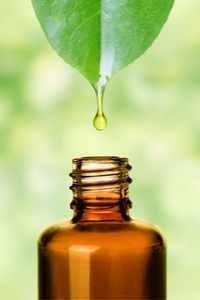 Les huiles essentielles pour atténuer les douleurs des règles